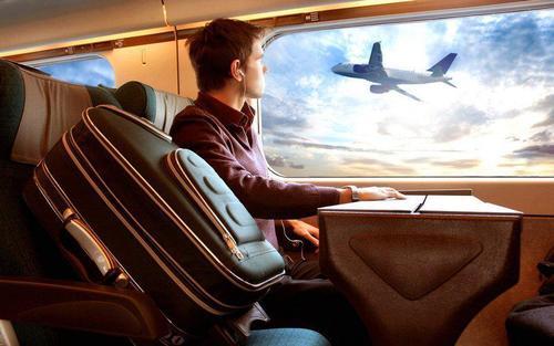 Куда можно слетать за 10 евро: все маршруты и правила лоукостеров
