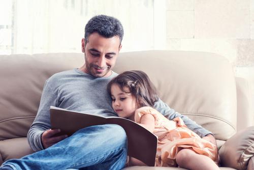 Детям обязательно нужно читать сказки на ночь
