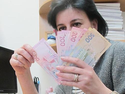 Названа «идеальная» зарплата для украинцев