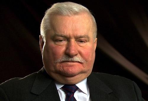 Экс-президента Польши подозревают в разглашении секретных документов