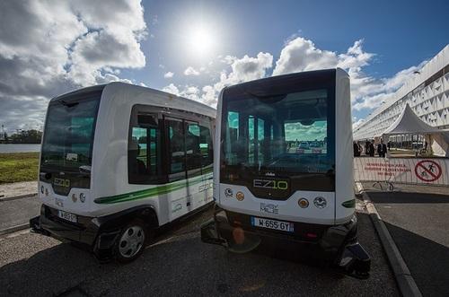 Европу завоевывают беспилотные миниавтобусы на электротяге