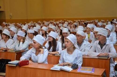 Студентів-медиків звільнили від обов'язкового відпрацювання