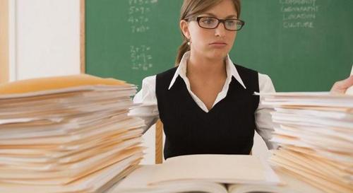 Нові зарплати вчителів: кого хочуть «озолотити»