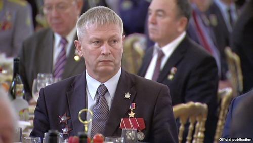 В Петербурге подобрали пьяного в дым командира российских наемников в Сирии с секретными документами