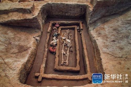В Китае нашли могилы людей-великанов