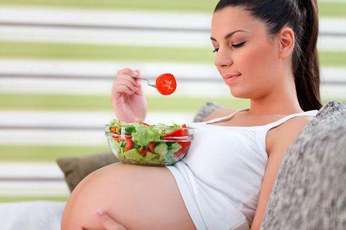 Какая еда при беременности вредит здоровью будущего малыша – ученые