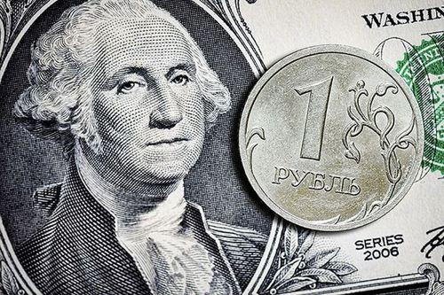 В РФ инвестора массово избавляются от рубля и уходят в американскую валюту