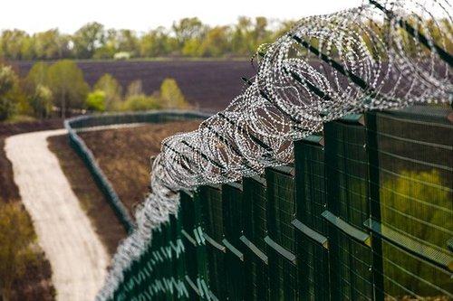 """Украинская """"Стена"""" на границе с Россией: коррупция и недостаток средств"""