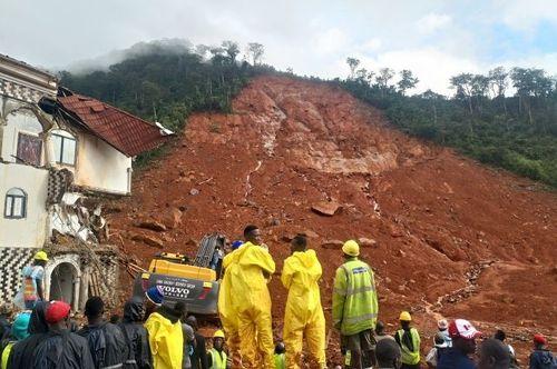 В Сьерра-Леоне сошел оползень, около 500 человек погибли