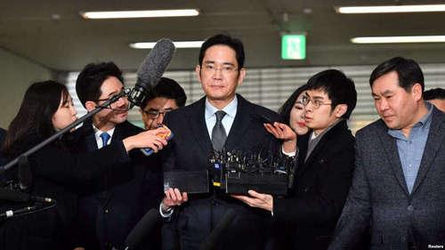 Вице-президента компании Samsung приговорили к пяти годам за взятки