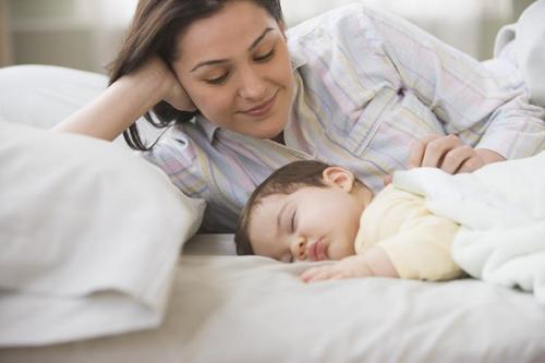 Открытие ученых позволит женщинам рожать в солидном возрасте