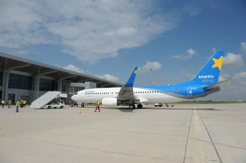Правительство поручило не допустить ограничения полетов в аэропортах на востоке Украины