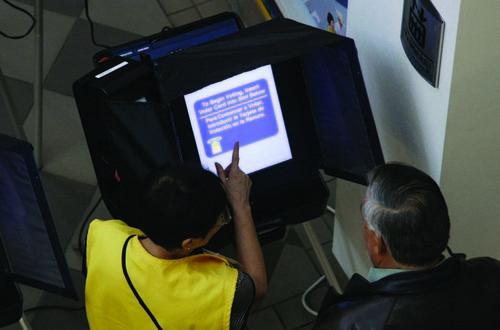 Хакеры: «Россия могла взломать машины для голосования»