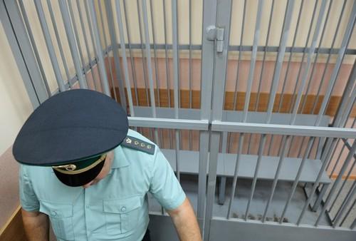 Шесть человек вскрыли вены на заседании в Мосгорсуде