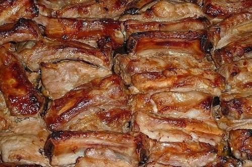 Мамины секреты «Запеченные свиные ребрышки, маринованные в соусе»