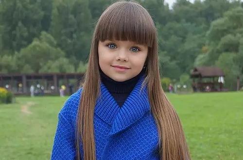 СМИ выбрали самую красивую девочку
