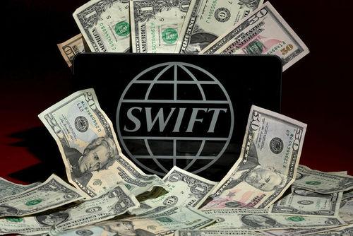 Россию атакуют через SWIFT: со счетов банка вывели сумму эквивалентную 1 миллиону долларов