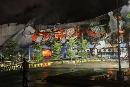 Пожар в торговом центре на Филиппинах