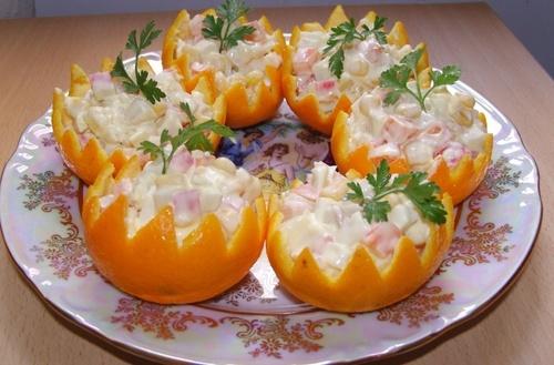 Рецепты на Новый Год «Салат с крабовыми палочками и кукурузой»