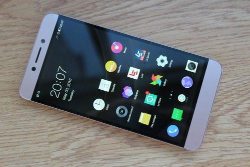 c05467972d633 Эксперты выбрали самый лучший смартфон 2017 года - Новости Спектр
