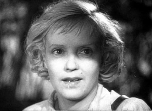 Испытание верности: чем пришлось заплатить за творческий успех советской актрисе Марине Ладыниной