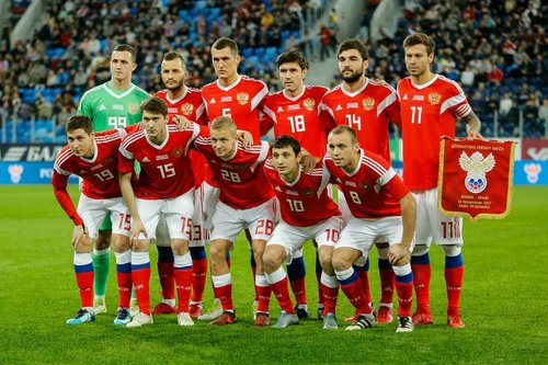 Россия рискует остаться без 17 ведущих футболистов на ЧМ-2018