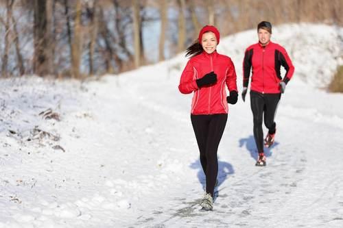 Бег в холодную погоду: полезные советы