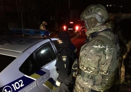 СБУ задержала в Харькове троих полицейских-взяточников
