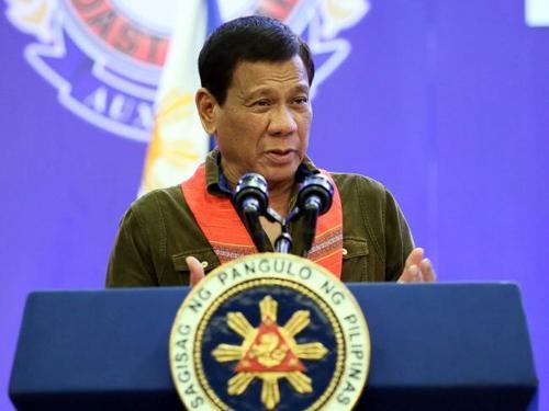Президент Филиппин призвал военных пристрелить его, если он задержится на посту