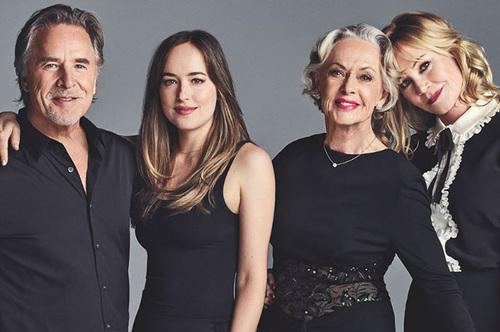 «Звездная семья» — Дакота Джонсон с мамой Мелани Гриффит, папой и бабушкой