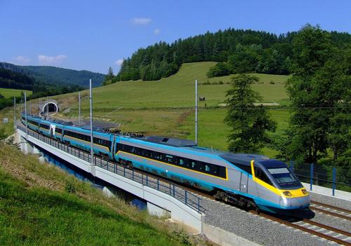 Україна спільно з італійцями буде розвивати швидкісний залізничний рух