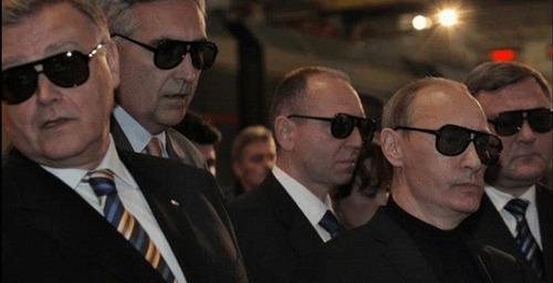«Россией правит коллективный Путин»