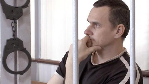 Зоя Светова попросила Макрона содействовать в освобождении Сенцова