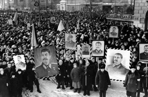 """""""Вечно живой Сталин"""" - Андрей Колесников"""