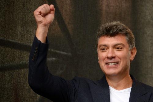 Семья Немцова отказалась участвовать в открытии мемориальной таблички в его честь из-за Собчак