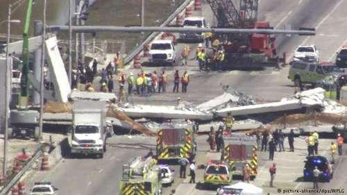 В Майами рухнул мост, четверо погибших