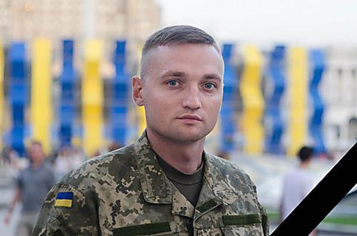 СМИ назвали возможную причину самоубийства летчика и Героя АТО Волошина