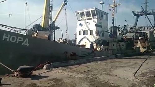 """Российское генконсульство попыталось вывезти моряков """"Норда"""" в Крым"""
