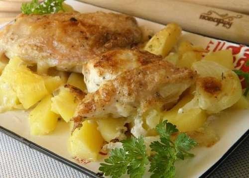 Мамины секреты «Картошка с курицей в духовке под нежным соусом»
