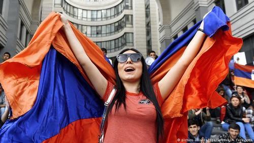 """В Армении выросло свое """"поколение Навального"""""""