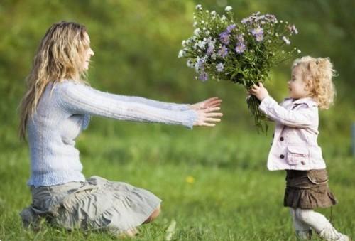 15 вариантов подарков маме ко Дню матери