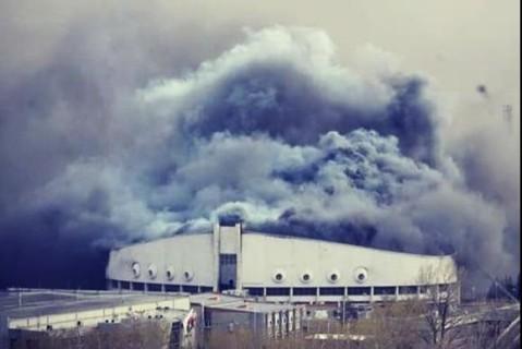 Пожар в Красноярске: сгорел Дворец спорта (ВИДЕО)
