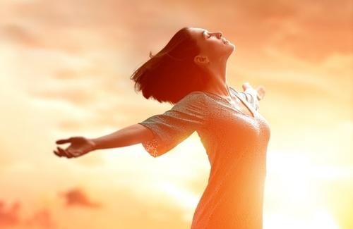 10 слов-паразитов, мешающих вам стать богатым  и счастливым