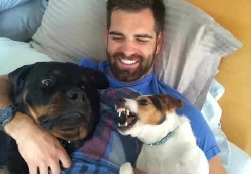 Ученые нашли объяснение феномену собачьей ревности