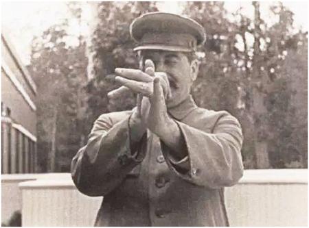 """""""Вперёд, в светлое сталинское прошлое"""" - Леонид Анцелович"""