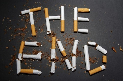 Самый эффективный способ заставить бросить курить - это ...