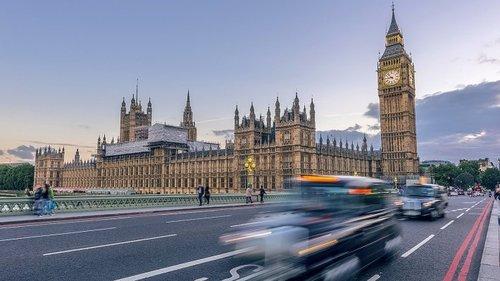Власти Великобритании заморозили активы российских бизнесменов