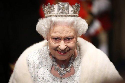 Елизавета II «убрала» после свадьбы Меган Маркл подальше