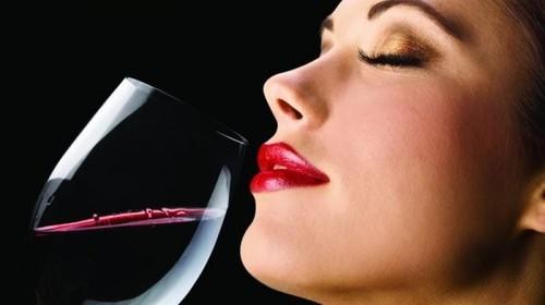 Вино и Женщина