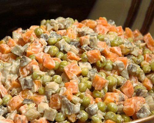 Мамины секреты «Салат с грибами и морковью»